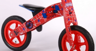 Houten loopfiets Ultimate Spiderman Yipeeh 553 €59,75
